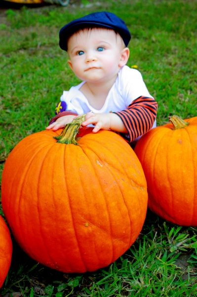 1st time at the Pumpkin Patch! - Amanda  Fontenot